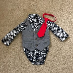 4/$20 3-piece dressy outfit 12 month